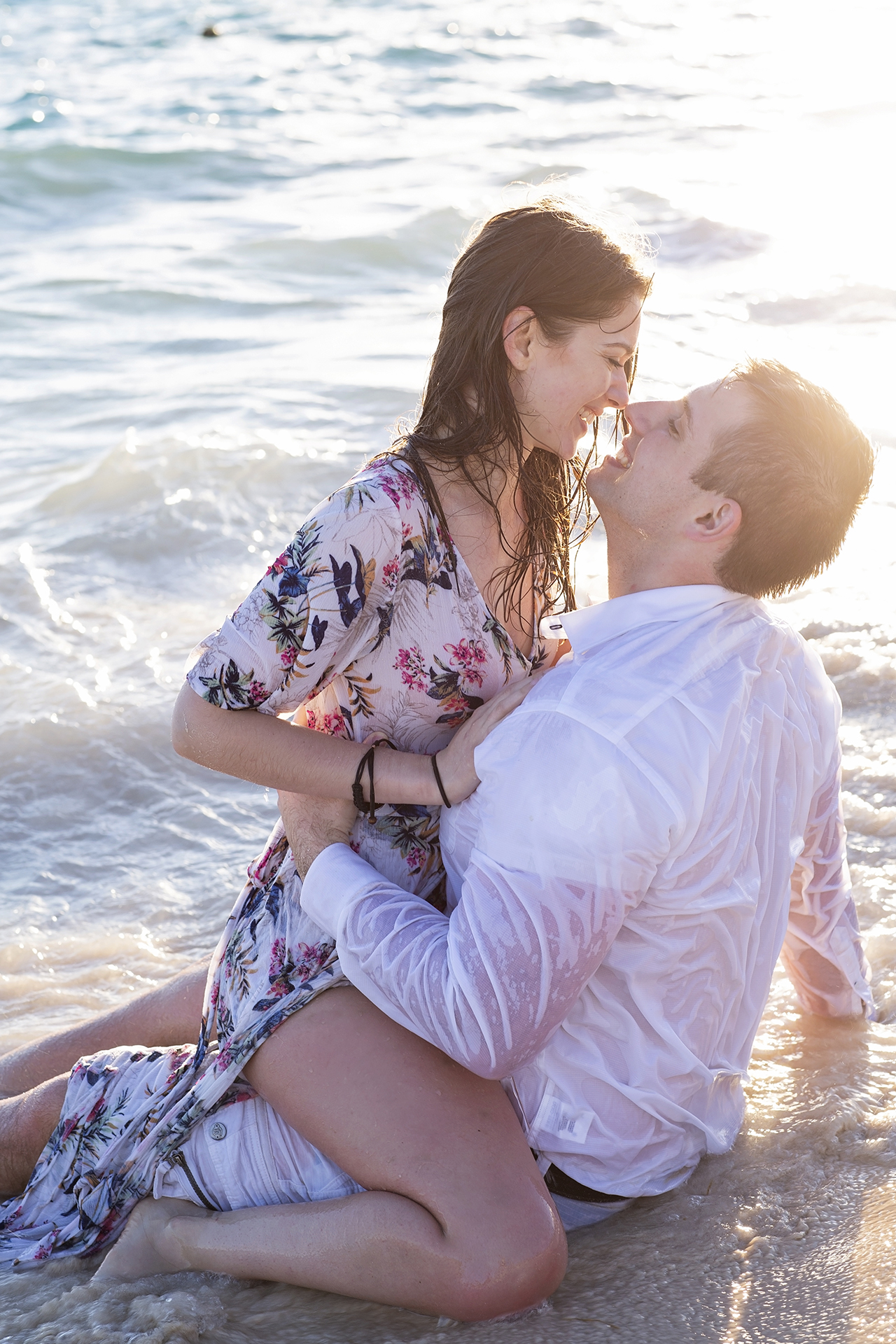 punta cana wedding photographer photoshoot on a beach with bride and groom 26