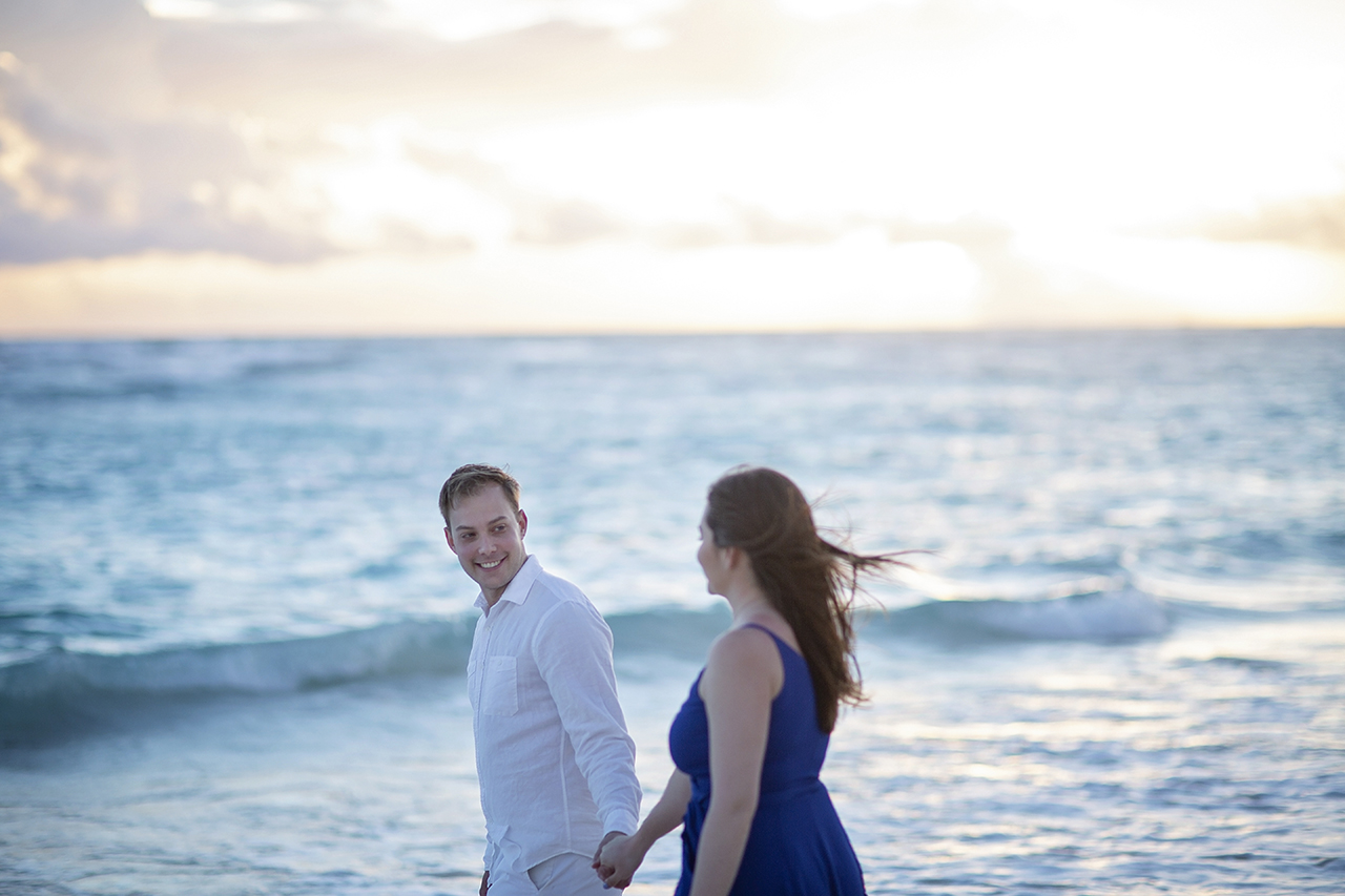 punta cana wedding photographer photoshoot on a beach with couple 33