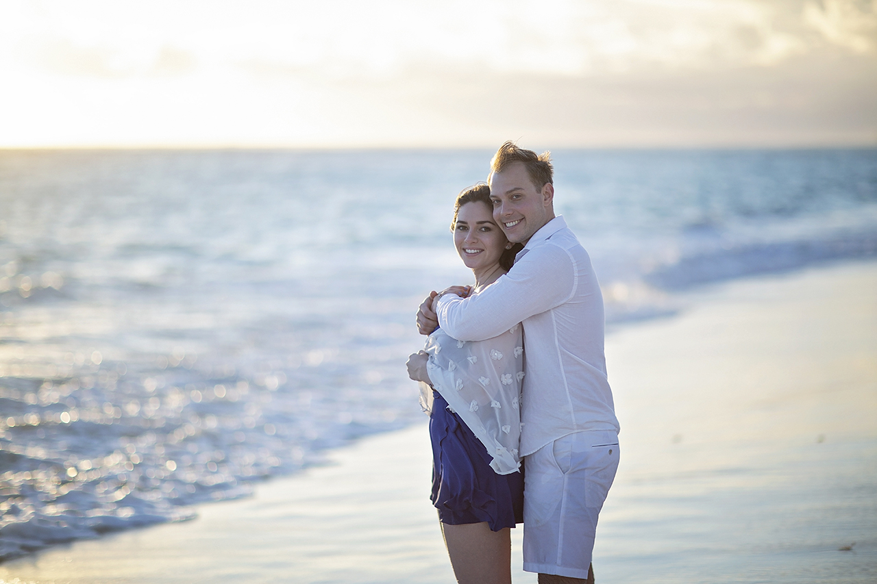punta cana wedding photographer photoshoot on a beach with couple 38