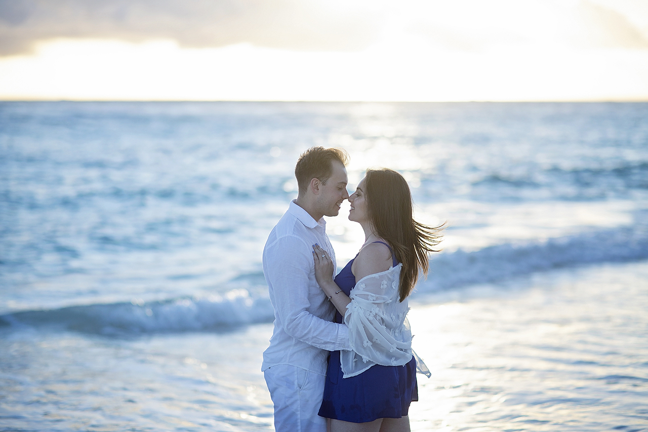 punta cana wedding photographer photoshoot on a beach with couple 42