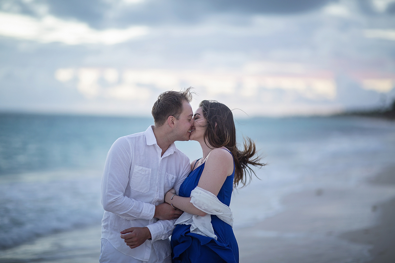 punta cana wedding photographer photoshoot on a beach with couple 5