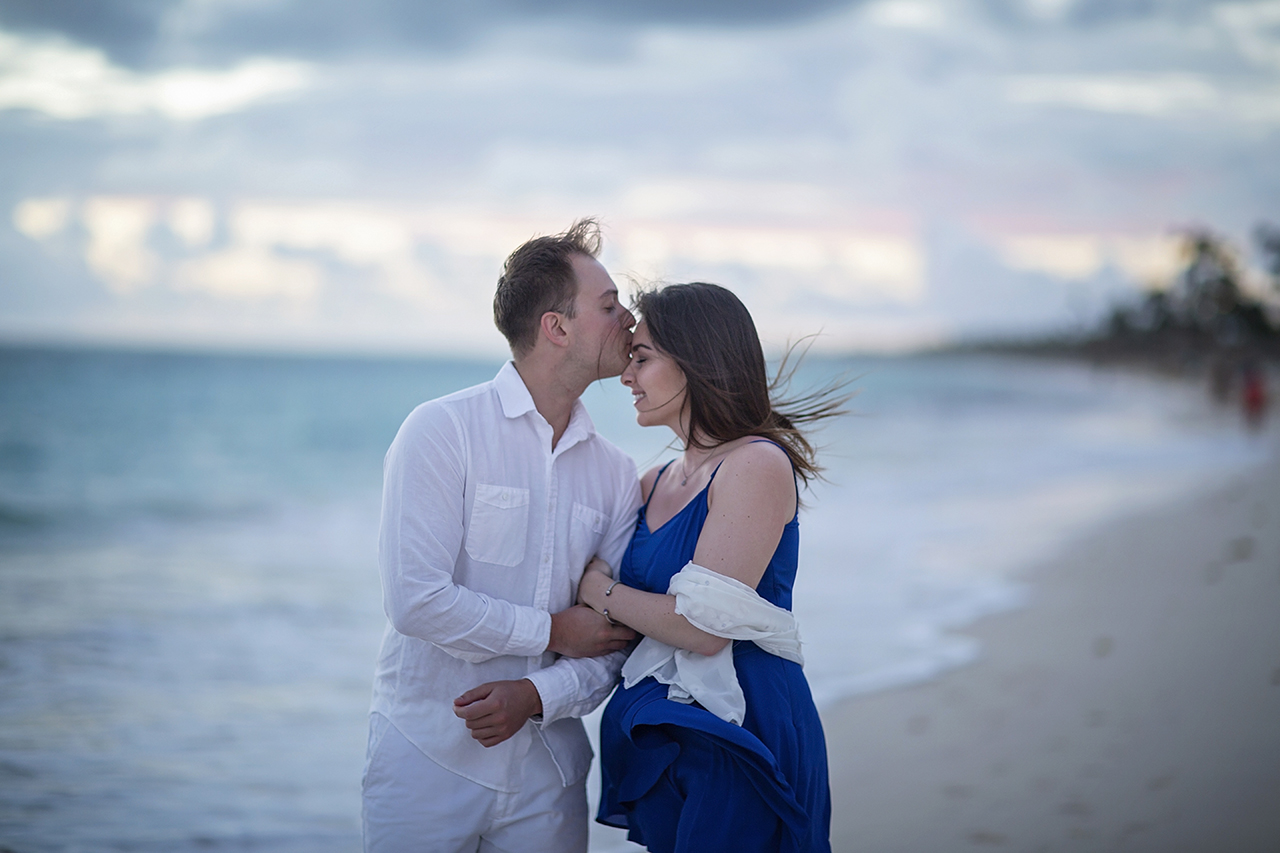 punta cana wedding photographer photoshoot on a beach with couple 71